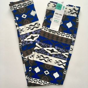 Kids Blue and Black print leggings sm/med NWT